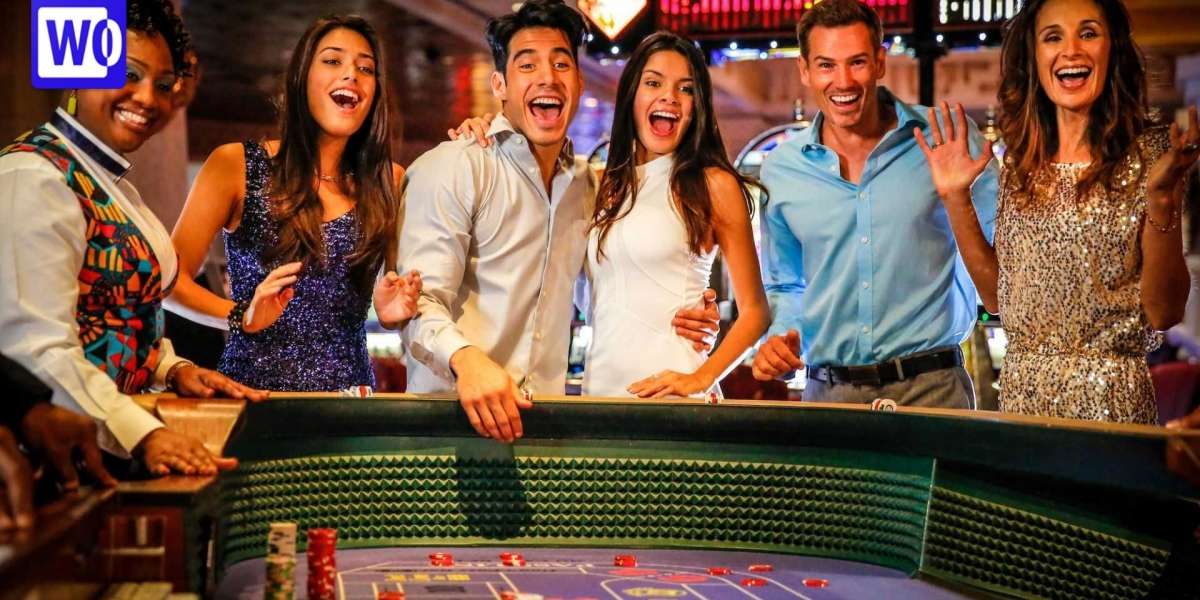 Casino Slot Machines - What Are the Payouts and Odds of Winning Money?