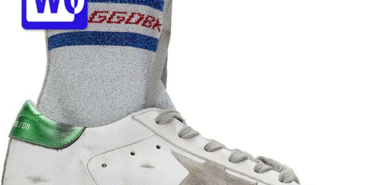 Golden Goose Sneakers Outlet to
